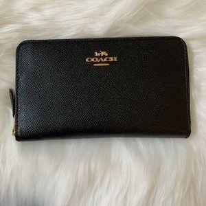Coach Medium Zip Continental Wallet